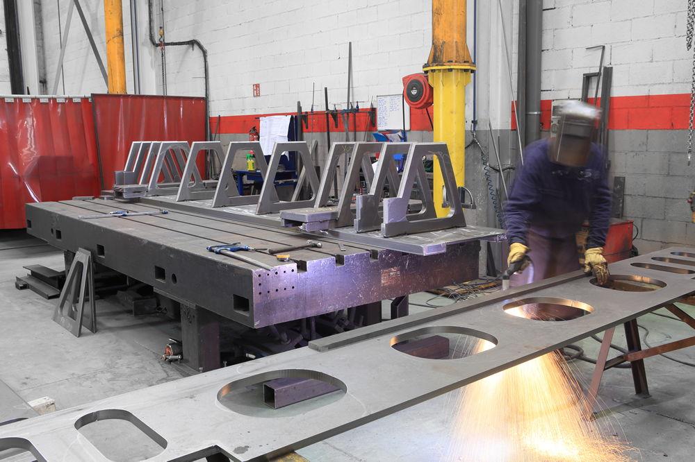 Fabriación de piezas de acero inoxidable para la industria de la alimentación, industria papelera, máquina herramienta, construcción, metalurgia...
